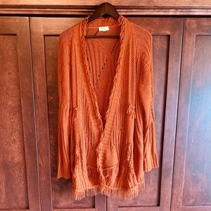 Beautiful Umgee fringed cardi!